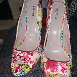 Nine West floral Platform Pumps